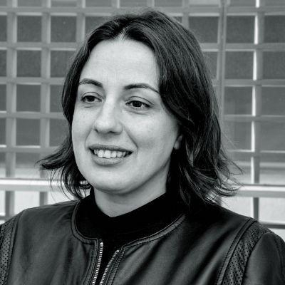 Camila Caldeira Nunes Dias